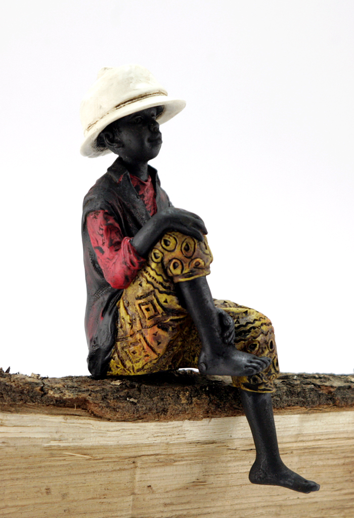 afrikanische figur kantensitzer kantenhocker afrika deko skulptur mann junge neu ebay. Black Bedroom Furniture Sets. Home Design Ideas