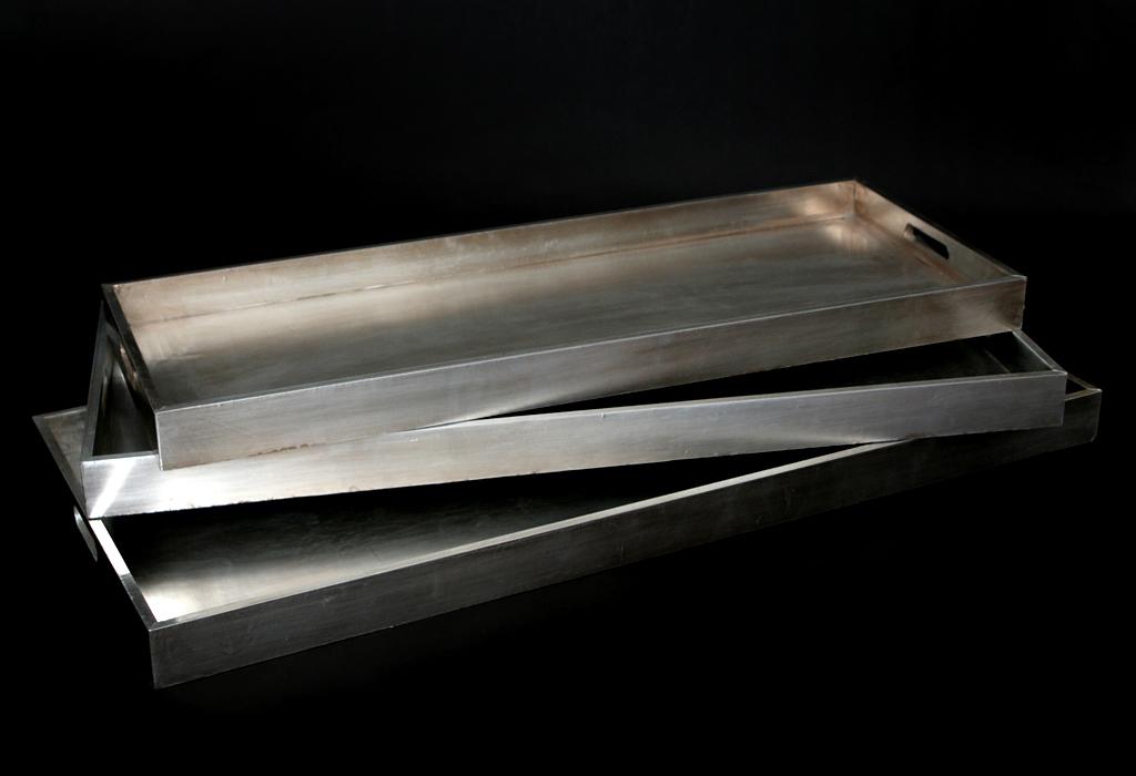 design tablett holz mit aluminium bespannt serviertablett. Black Bedroom Furniture Sets. Home Design Ideas