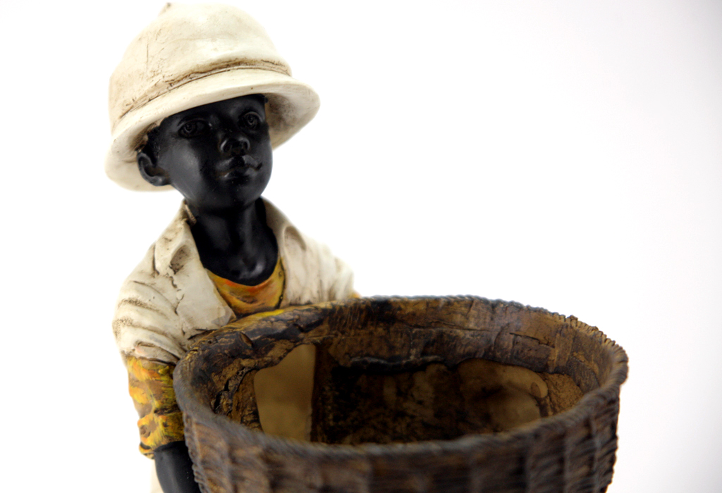 figurine boy with basket shelf sculpture deco africa african design cover new ebay. Black Bedroom Furniture Sets. Home Design Ideas