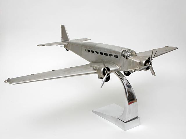 flugzeugmodell ju 52 junker metall flugzeug aluminium. Black Bedroom Furniture Sets. Home Design Ideas